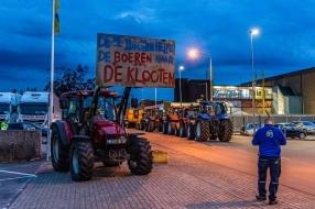 Minister Schouten komt boeren tegemoet: toch overleg over veevoer