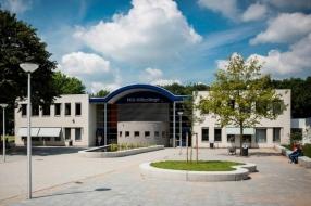 Twintig laptops gestolen uit Mill Hill College in Goirle, trio aangehouden
