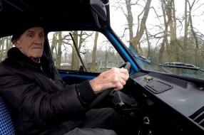 Wiel (85) rijdt zijn hele leven met één automerk: 'Ik ben altijd bij Citroën gebl